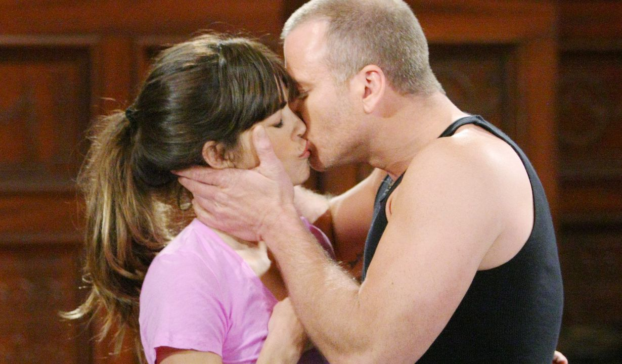 "Amelia Heinle, Sean Carrigan ""The Young and the Restless"" stitch victoria kiss"