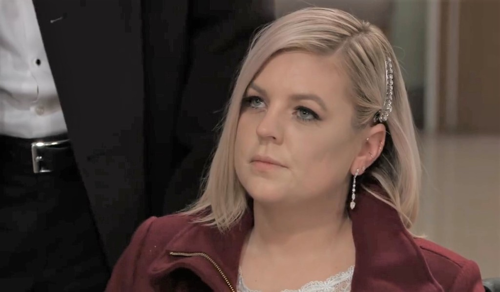 Maxie gets checked out at General Hospital