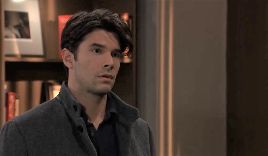 Chase and Finn discuss their relationship at General Hospital