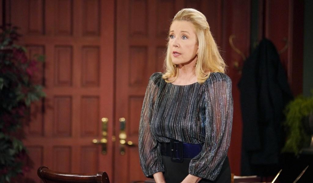 Nikki talks to Victoria about Billy in office Y&R