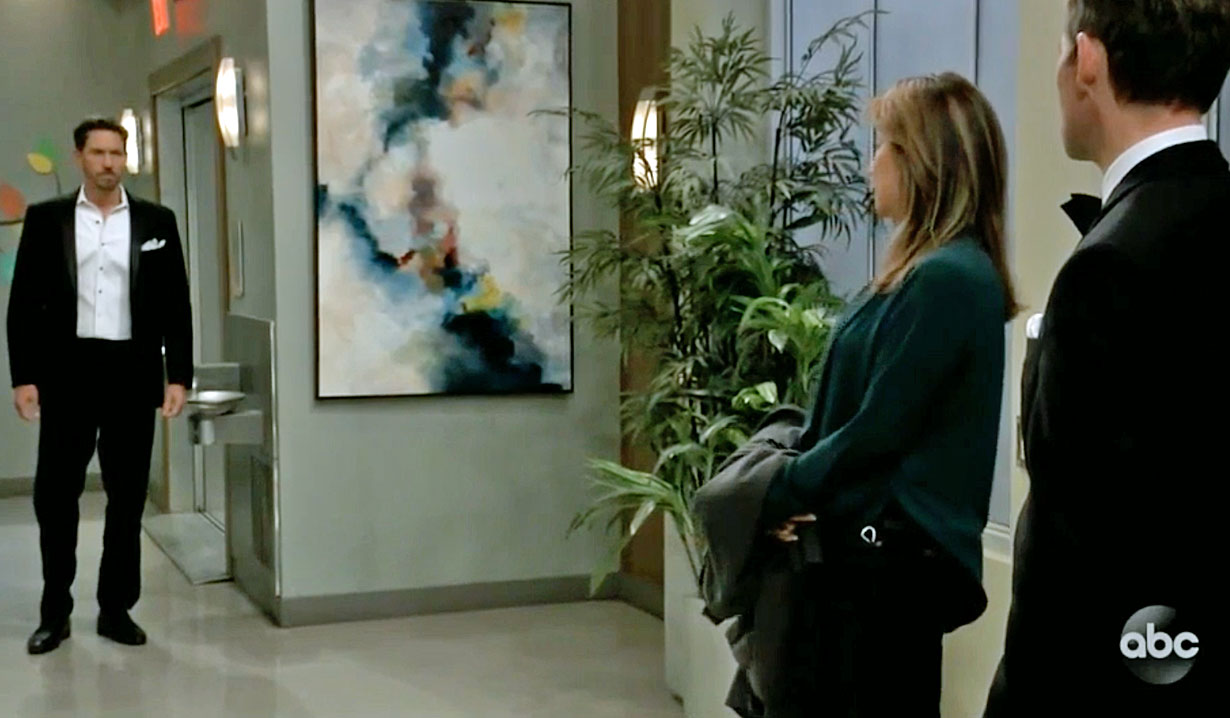 Peter arrives at the hospital GH