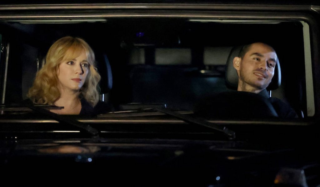 Rio and Beth in a car on Good Girls