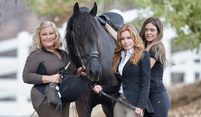 "horse Tracey Bregman, Amelia Heinle, Beth Maitland""The Young and the Restless"" Stars Equestrian Photo Shoot Malibu Creek Equestrian CenterMalibu, Ca.12/01/14© sean smith/jpistudios.com310-657-9661"