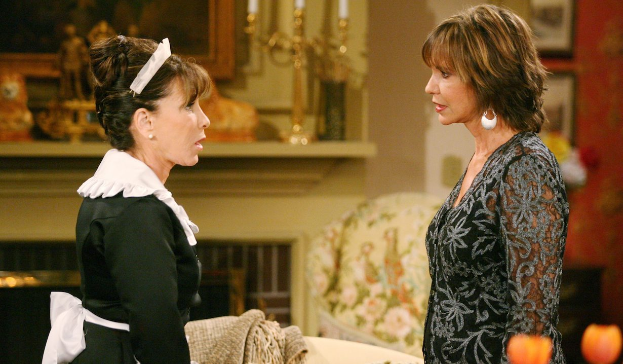 """Jess Walton, Kate Linder """"The Young and the Restless"""" Set CBS Television City Los Angeles 9/17/08 ©Aaron Montgomery/jpistudios.com 310-657-9661 Episode # 9000 U.S. Airdate 10/14/08"""