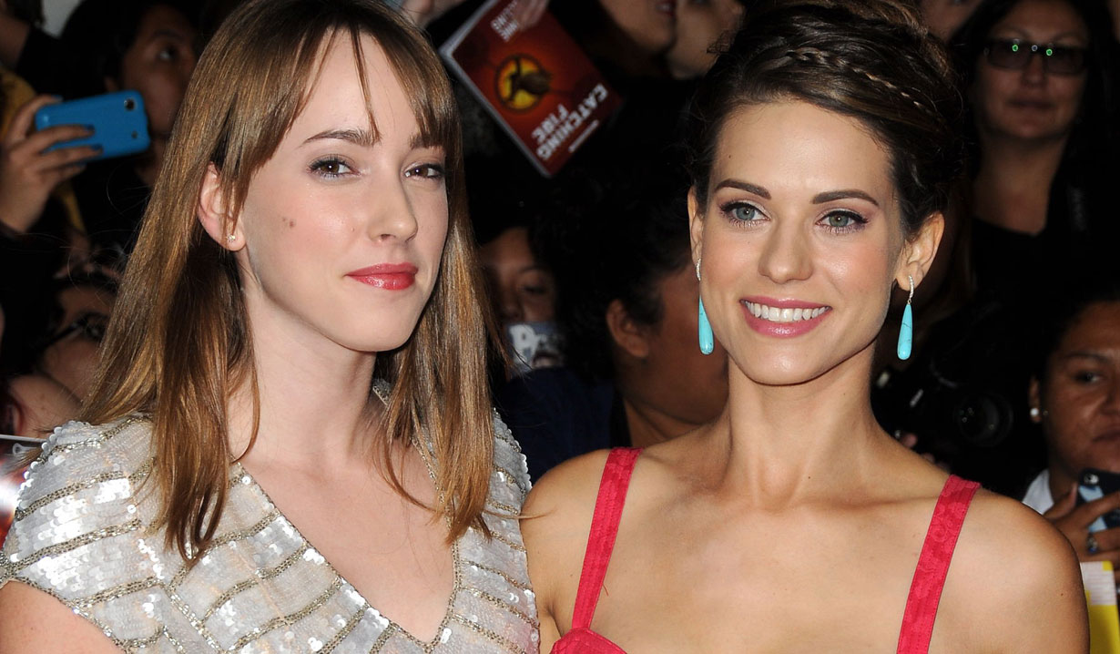 lyndsy fronseca and her sister yr