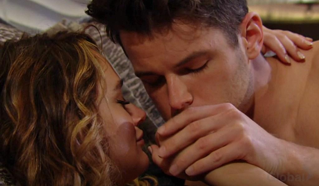 Summer, Kyle kiss hand make love Y&R