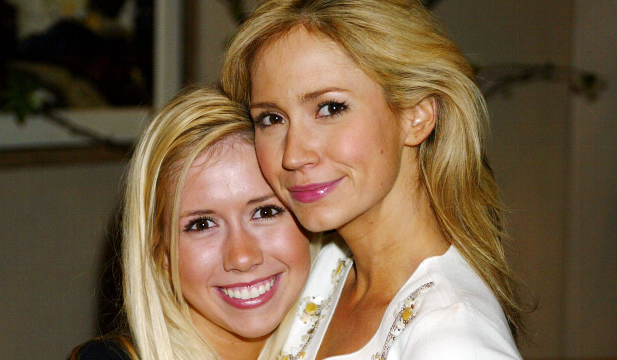 ashley jones and her sister bb