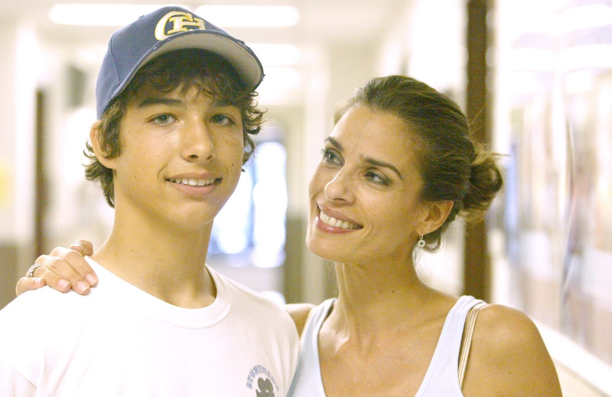 "Kristian Alfonso, Son Gino""Days Of Our Lives"" SetNBC StudiosBurbank6/26/06©Paul Skipper/jpistudios.com310-657-9661"