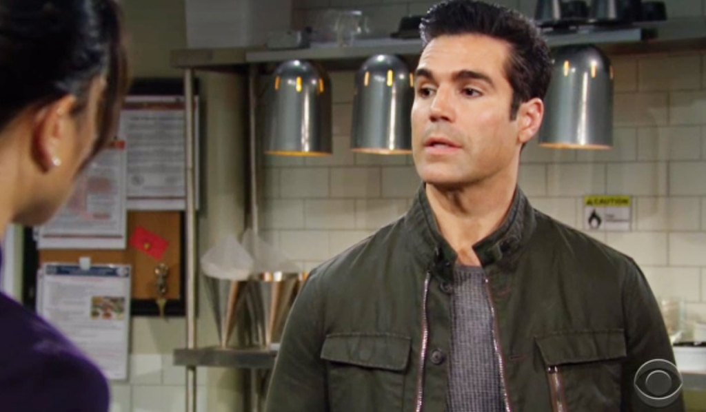 rey rants to lola about adam Y&R