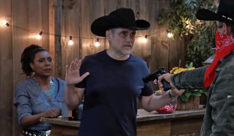 Mike disarms gunman GH