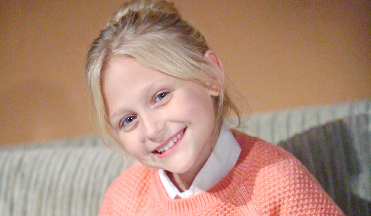 """Alyvia Alyn Lind """"The Young and the Restless"""" faith 2015 ss"""