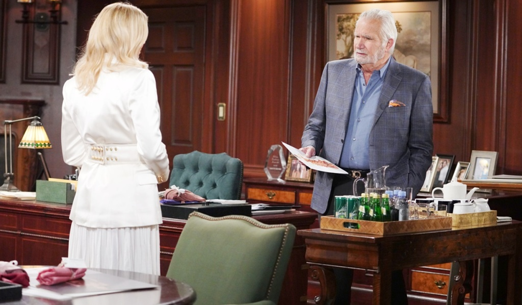 Brooke discusses Quinn with Eric B&B