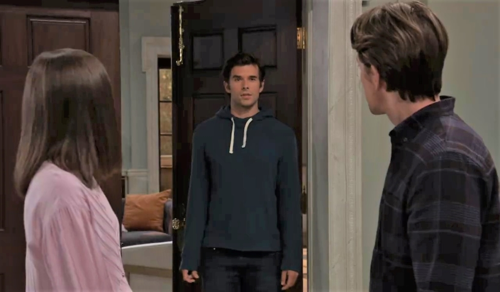 Chase hears Michael and Willow talking about him at Quartermaine house General Hospital