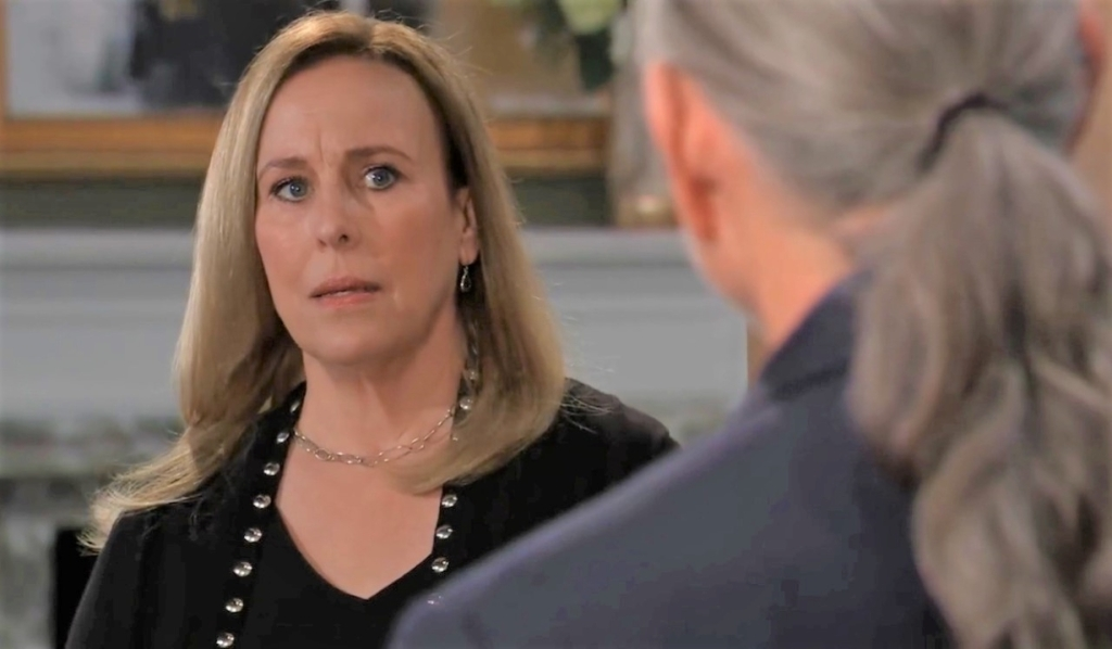 Cyrus has news for Laura at home General Hospital