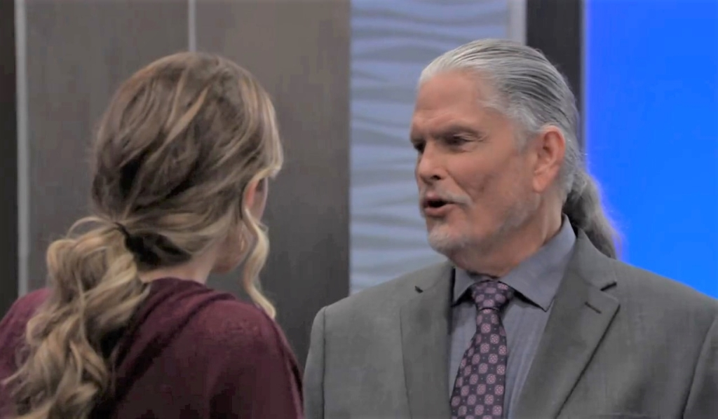 Cyrus and Sasha talk moving on at Metro Court General Hospital