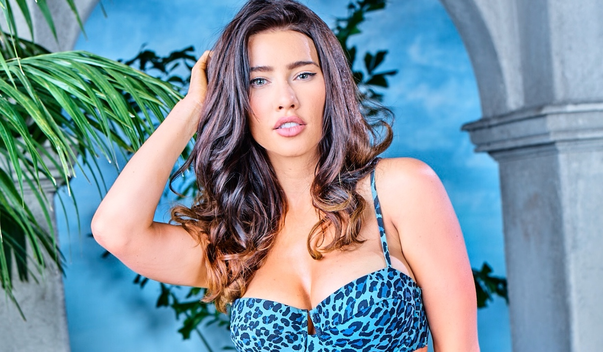 bb steffy Jacqueline MacInnes Wood of the CBS series THE BOLD AND THE BEAUTIFUL, Weekdays (1:30-2:00 PM, ET; 12:30-1:00 PM, PT) on the CBS Television Network. Photo: Sean Smith/Bell-Phillip TV/CBS ©2019 CBS Broadcasting, Inc. All Rights Reserved