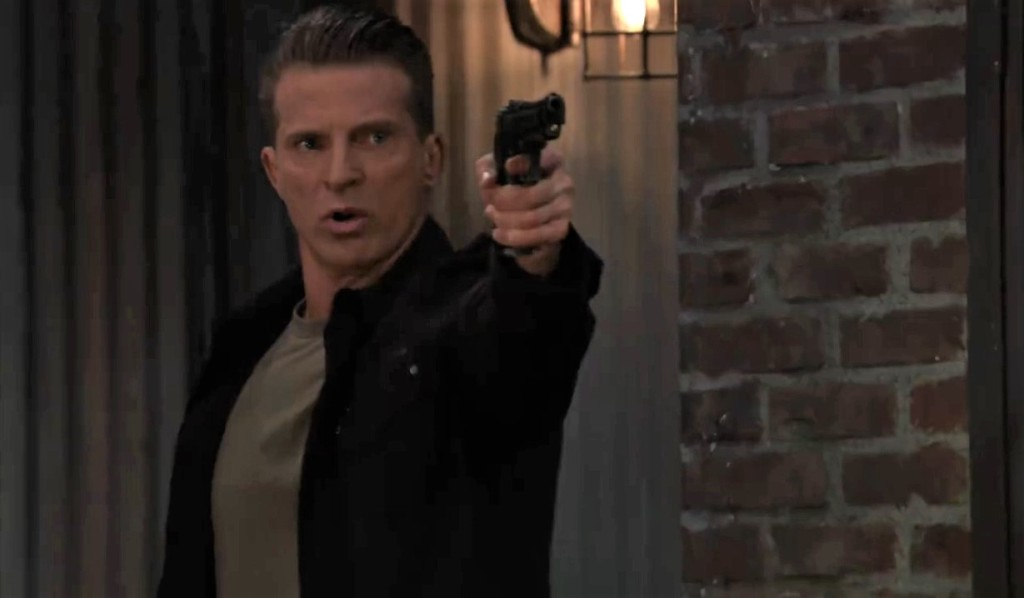 Jason threatens Cyrus on the pier General Hospital