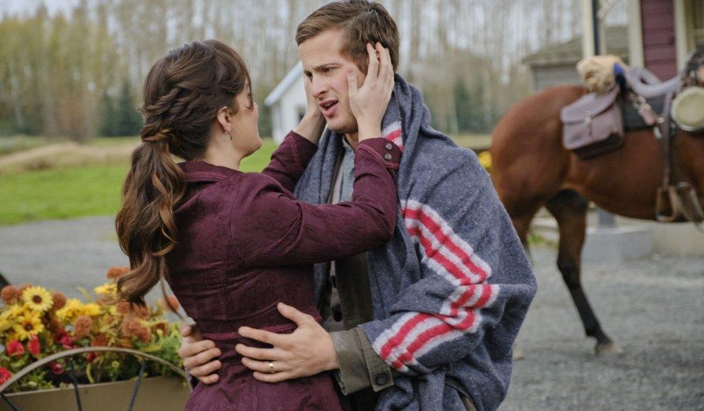 Jesse Hallmark When Calls The Heart Finale The Kiss Crown
