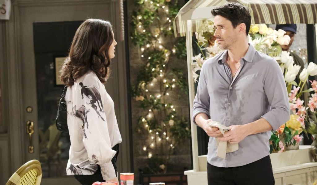 Shawn reassures Gwen in the square Days of Our Lives