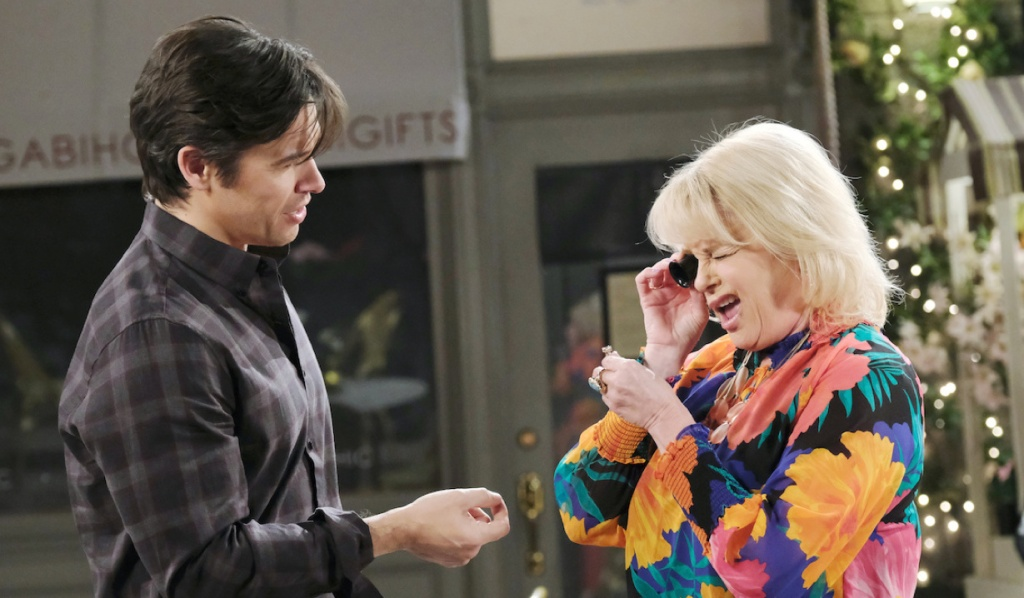 Bonnie inspects Xander's ring on Days of Our Lives