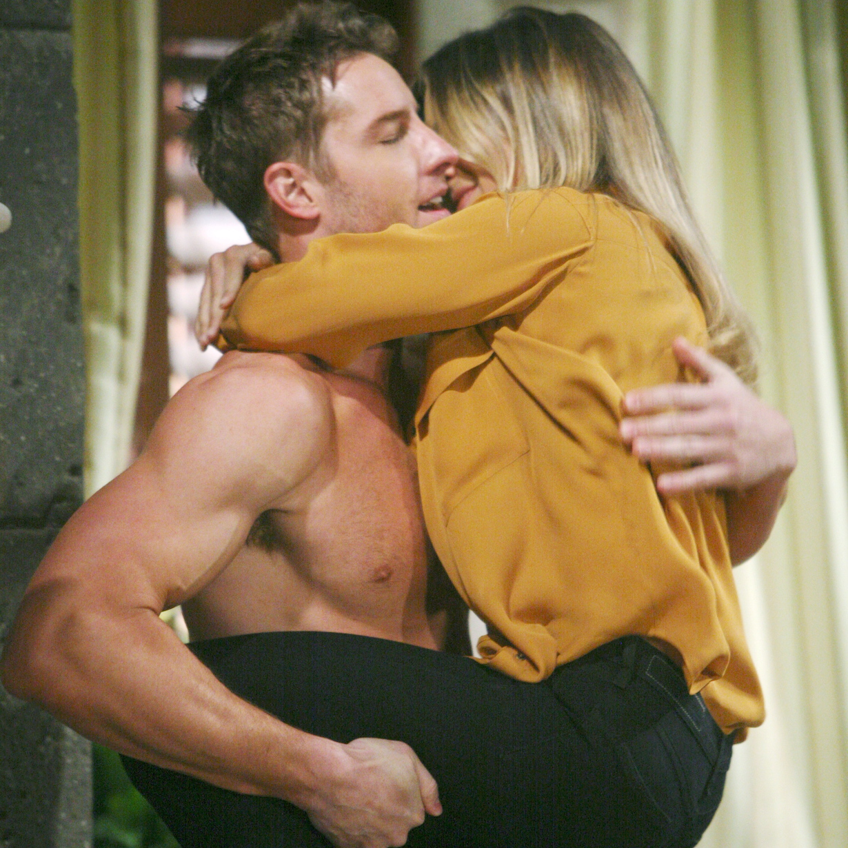"""Justin Hartley, Kelly Sullivan """"The Young and the Restless"""" sage adam gabe ss"""
