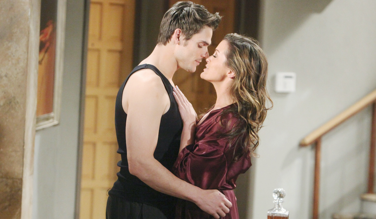 """Melissa Claire Egan, Mark Grossman """"The Young and the Restless"""" adam chelsea kiss hw"""