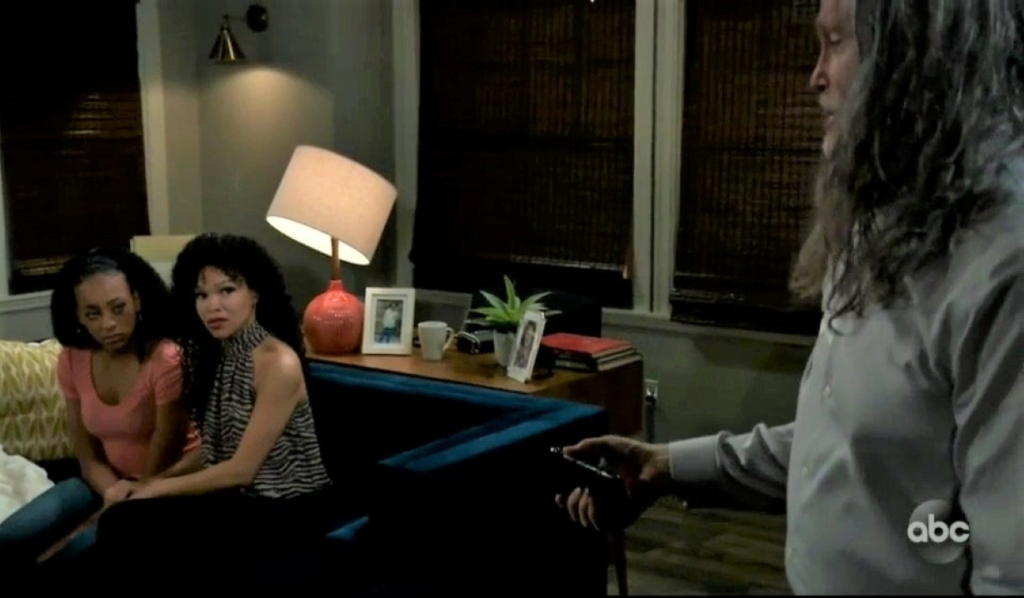 Cyrus negotiates for his hostages at Portia's General Hospital