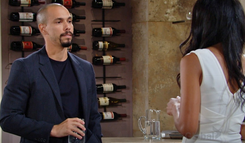Devon, Amanda discussion Y&R