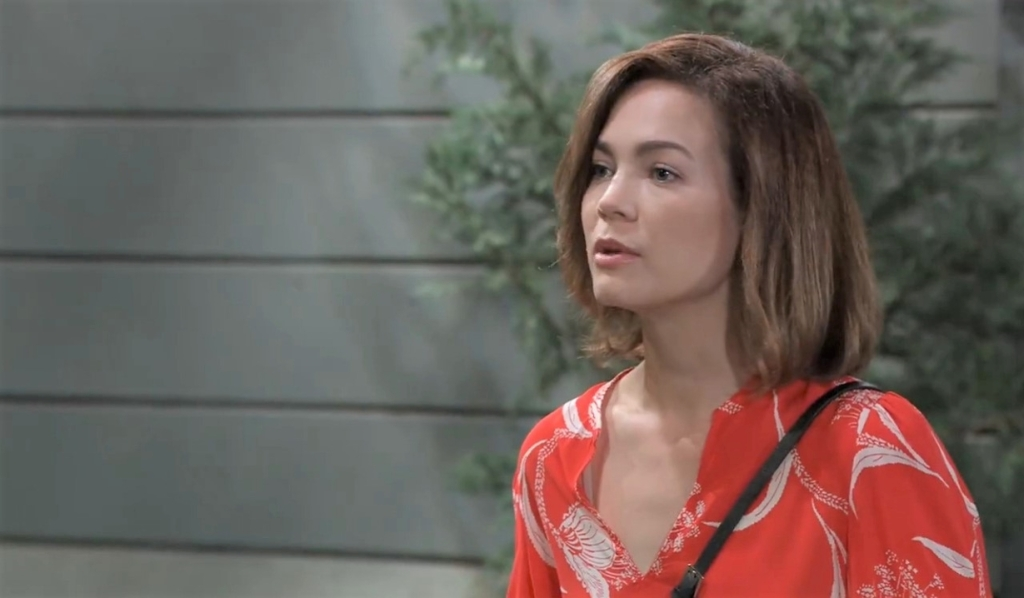 Liz apaologizes to Carly in cemetery General Hospital