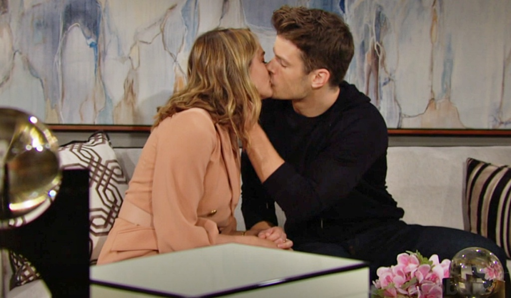 Summer, Kyle kiss Y&R
