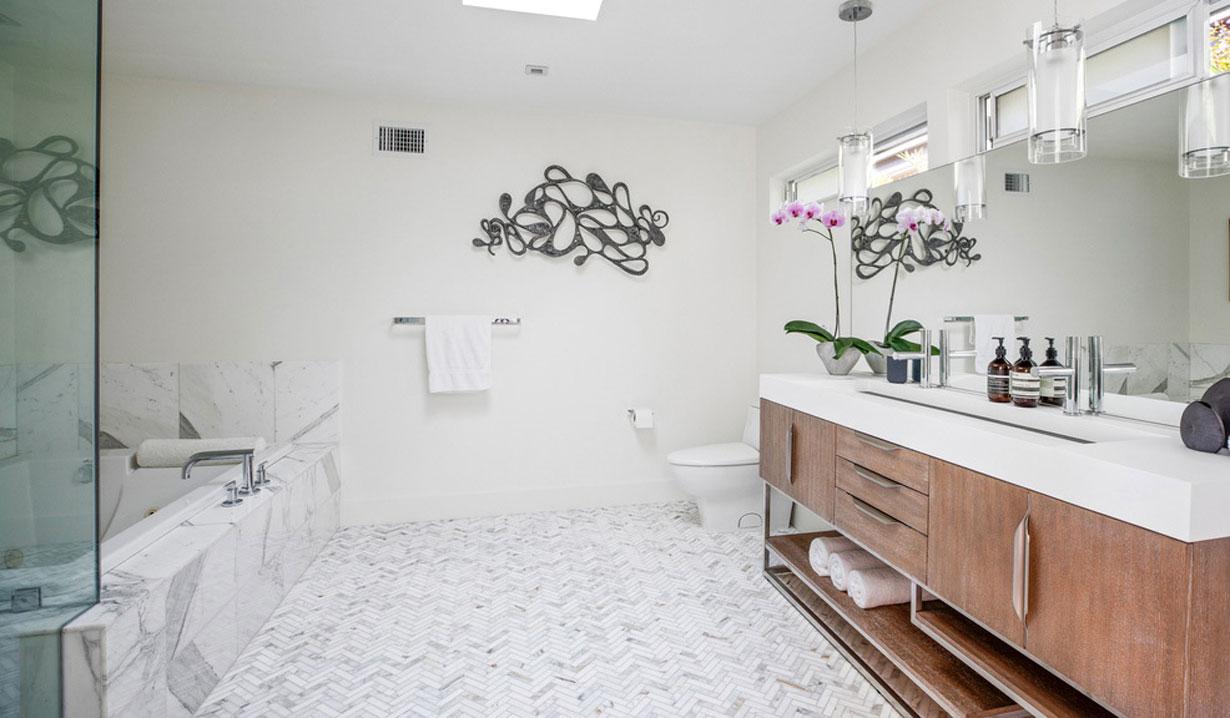 Chrishell Stause's house master bath days