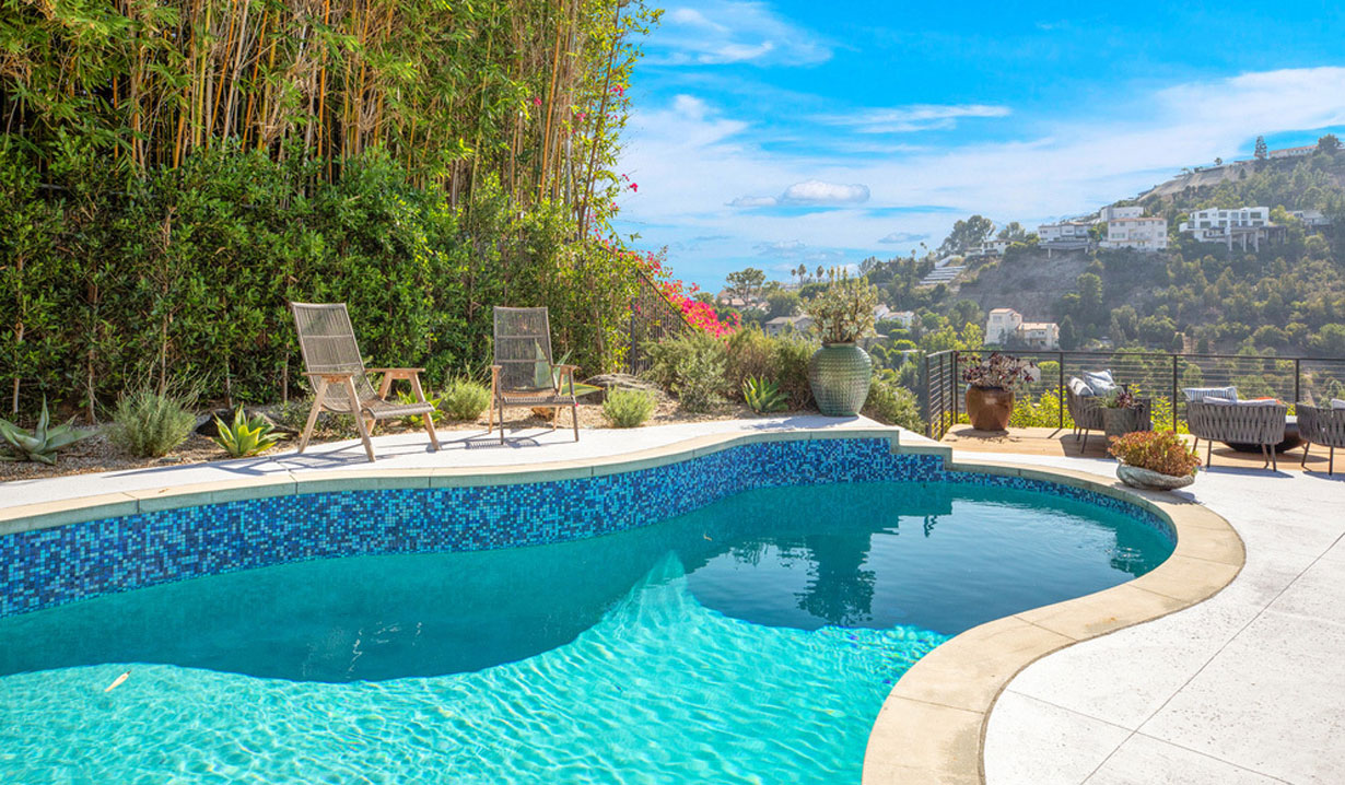 Chrishell Stause's house pool view days