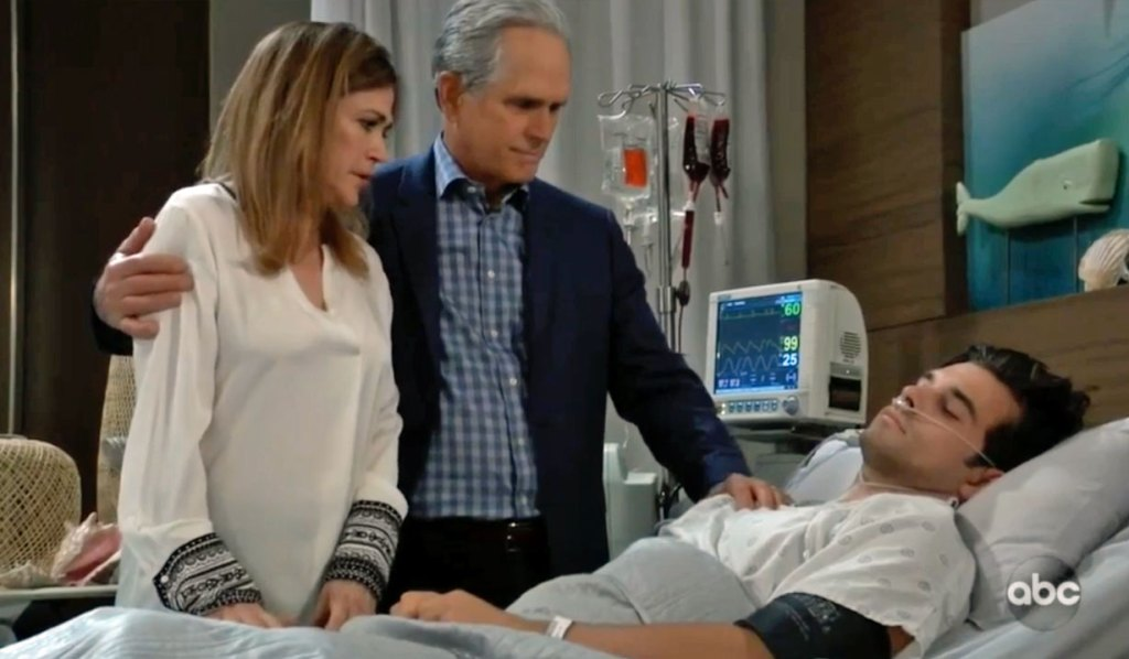 Gregory and Jackie stand by Chase GH