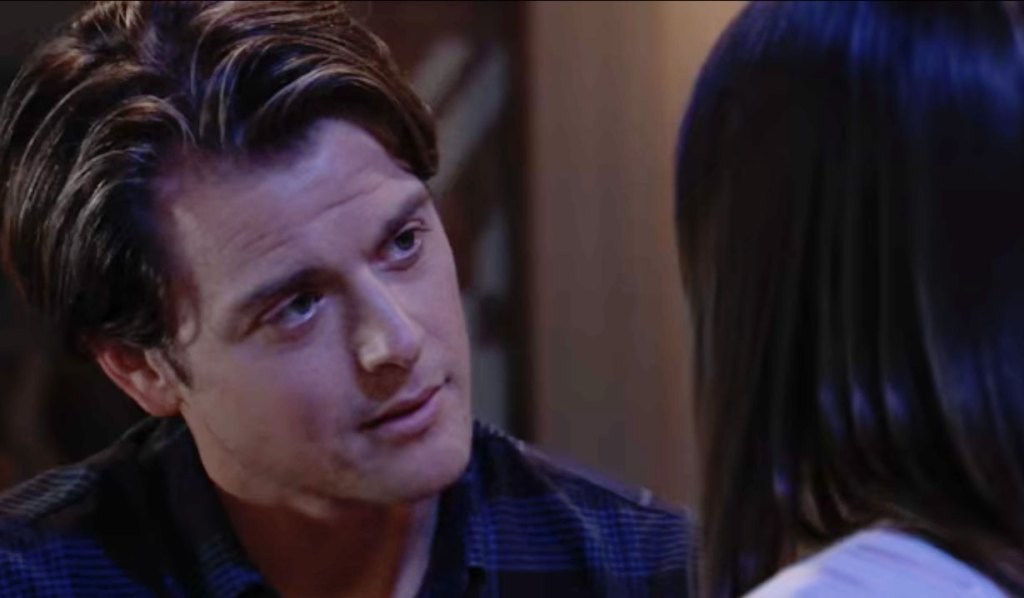 Willow and Michael get romantic GH