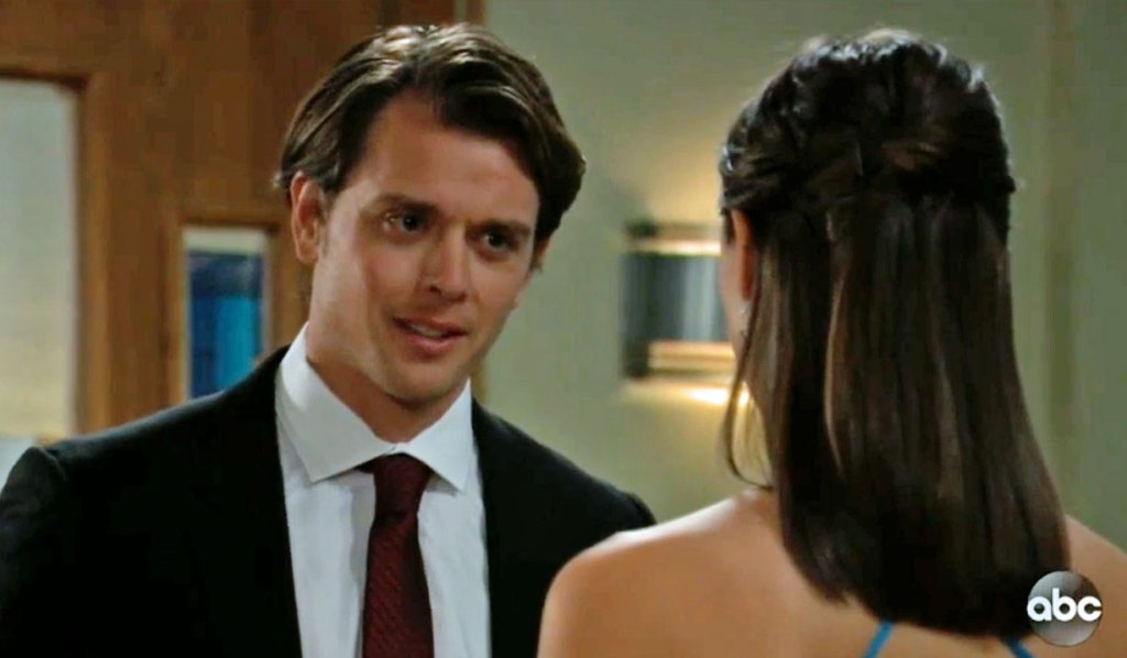 Michael and Willow in the chapel GH