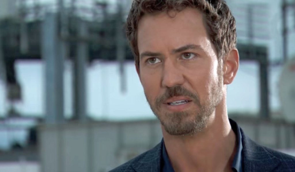 Peter confronted on roof GH