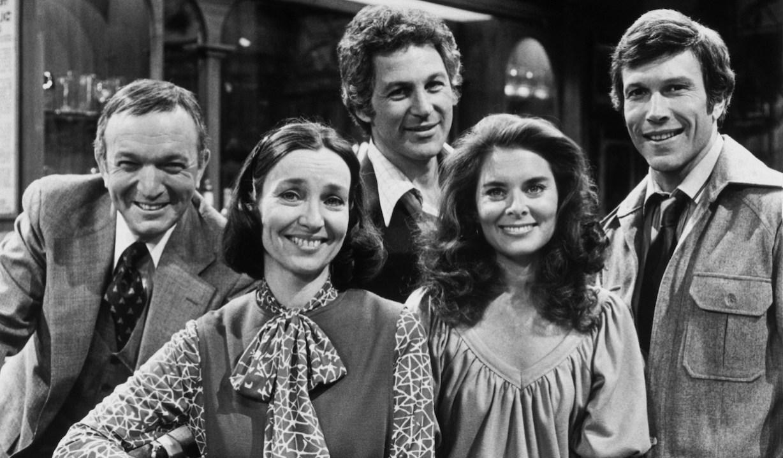 RYAN'S HOPE, from left: Bernard Barrow, Helen Gallagher, John Gabriel, Nancy Addison, Michael Levin (ca. 1978), 1975-89.