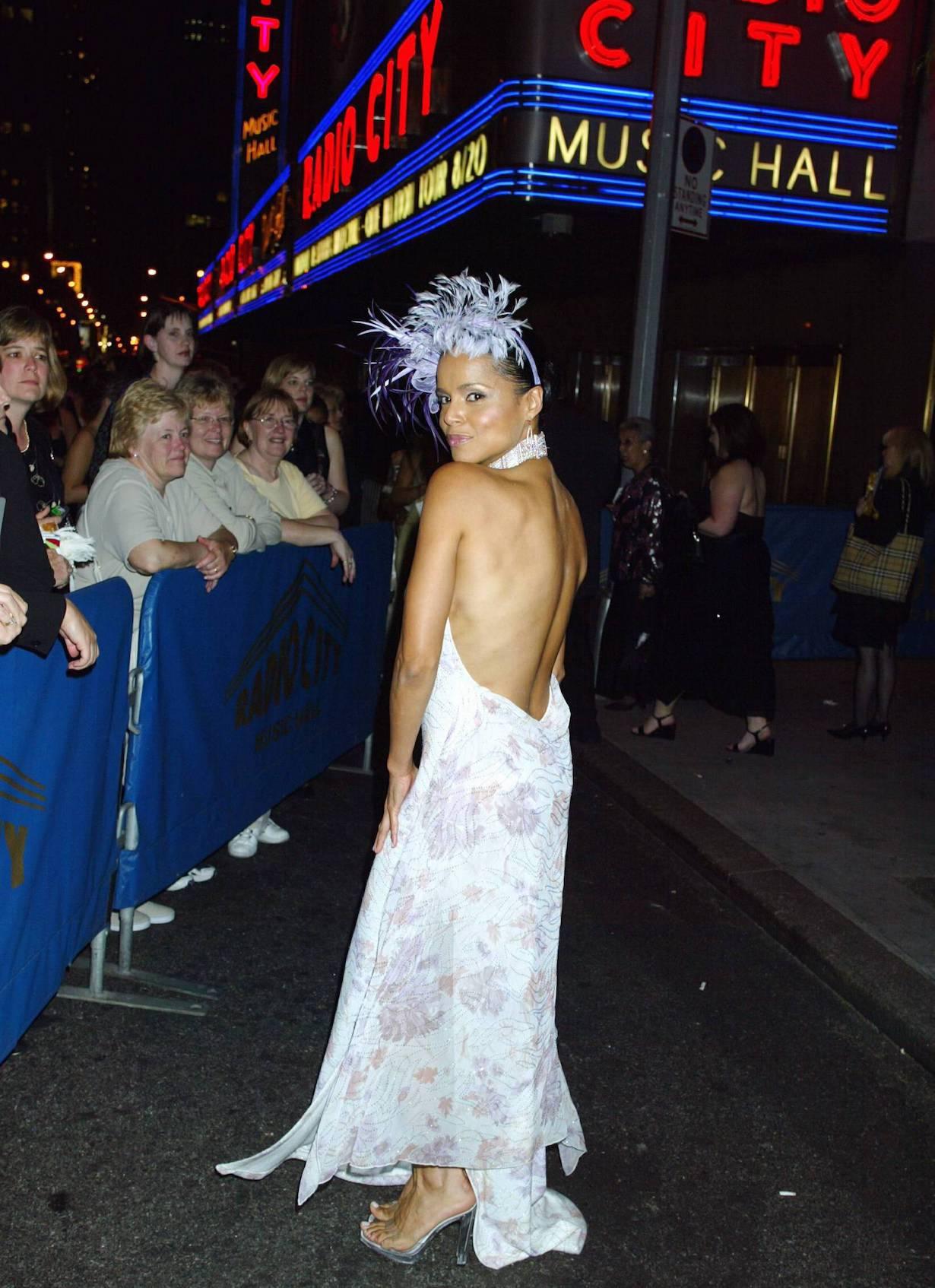 Victoria Rowell 31st Annual Daytime Emmy Awards-Arrival Radio City Music Hall 5/21/04 ©John Paschal/jpistudios.com 310-657-9661
