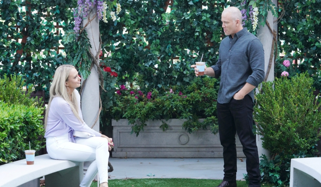 Abby and Stitch chat in the park Y&R