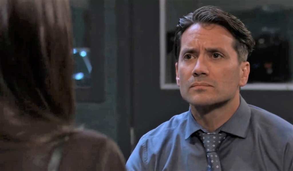 Anna and Dante talk confidentiality at PCPD General Hospital