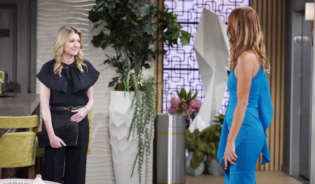 Phyllis and Tara talk Summer at Grand Phoenix Y&R