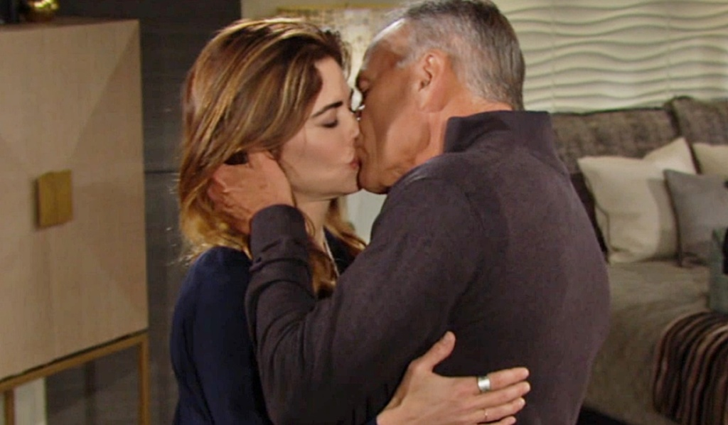 Victoria, Ashland kiss Y&R