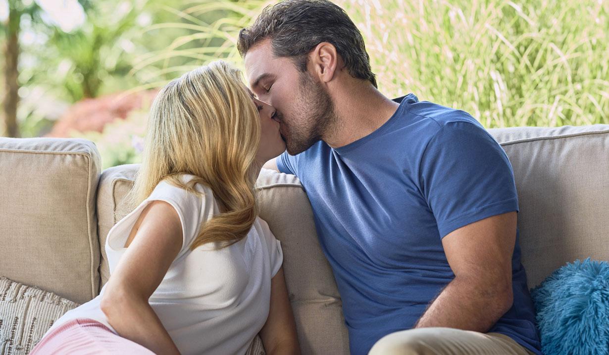 a little daytime drama kissing ryan paevey and jen lilley hallmark