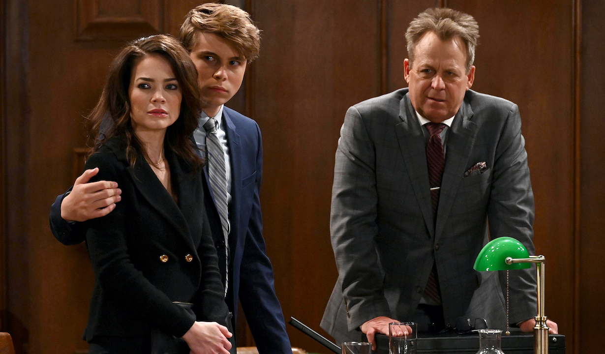 """GENERAL HOSPITAL - Rebecca Herbst (Elizabeth), William Lipton (Cameron) and Kin Shriner (Scott) in scenes that air the week of October 28, 2019 on ABC's """"General Hospital."""" """"General Hospital"""" airs Monday-Friday, 3-4pm, ET on ABC. GH19(ABC/Valerie Durant) REBECCA HERBST, WILLIAM LIPTON, KIN SHRINER"""