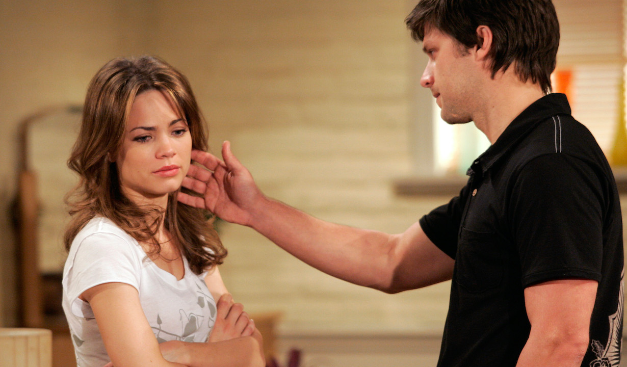 liz lucky GENERAL HOSPITAL, Rebecca Herbst, Greg Vaughan, (aired week of August 21, 2006), 1963-, photo: Adam Larkey/©ABC/courtesy Everett Collection