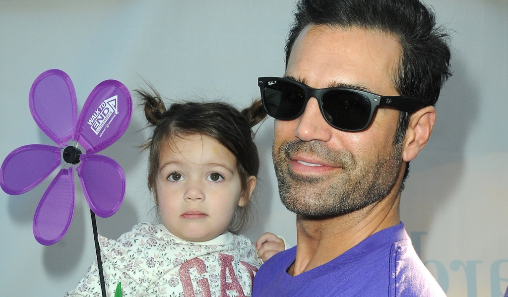 Jordi Vilasuso, Everly Vilasuso attends The Young and the Restless Cast at the 2018 Walk to End Alzheimers at the The Los Angeles Zoo in Los Angeles, CA on November 3, 2018 © Jill Johnson/jpistudios.com 310-657-9661