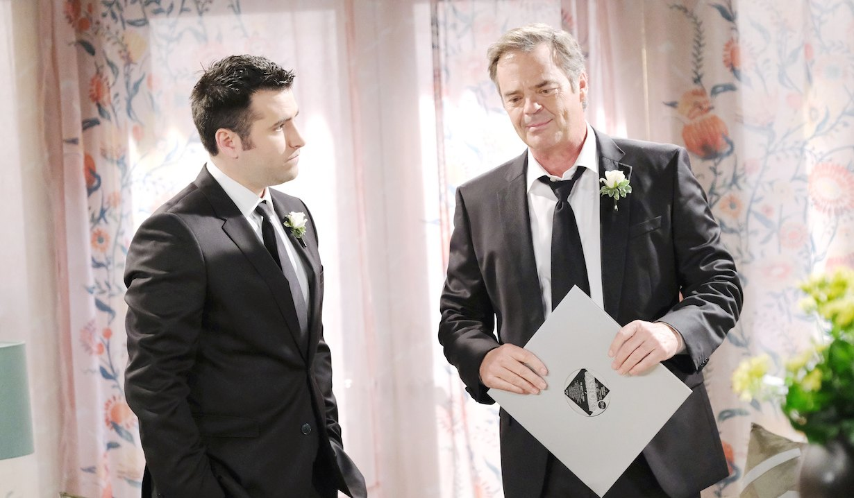 Sonny helps Justin pack Days of our Lives