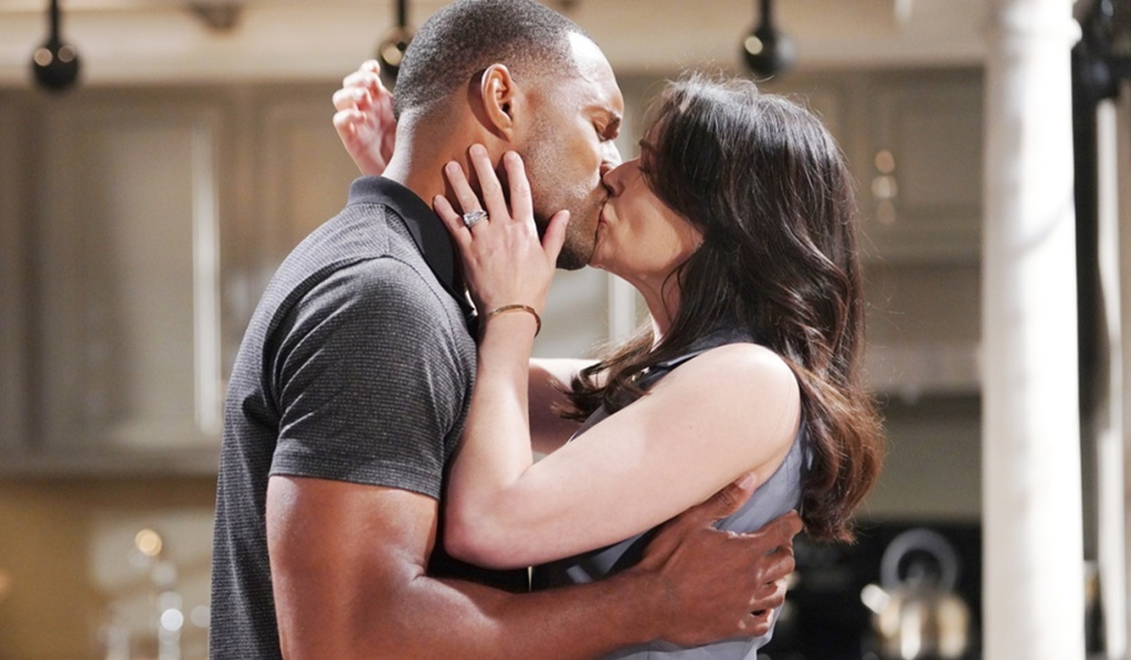 Carter, Quinn kiss goodbye B&B