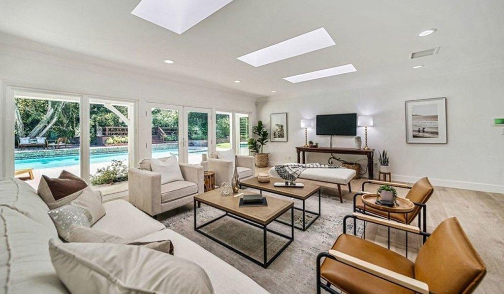 chrissy metz home living room