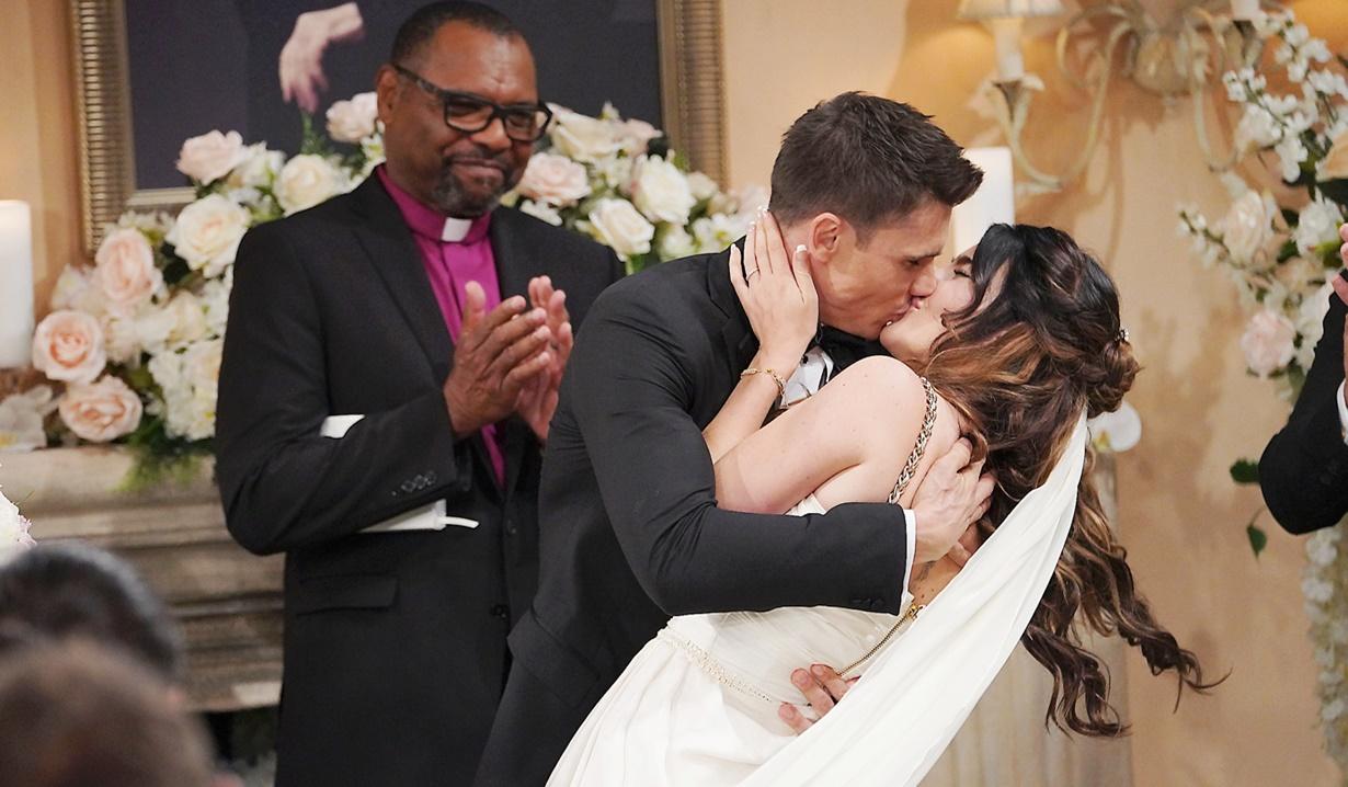 Finn, Steffy kiss altar wedding B&B